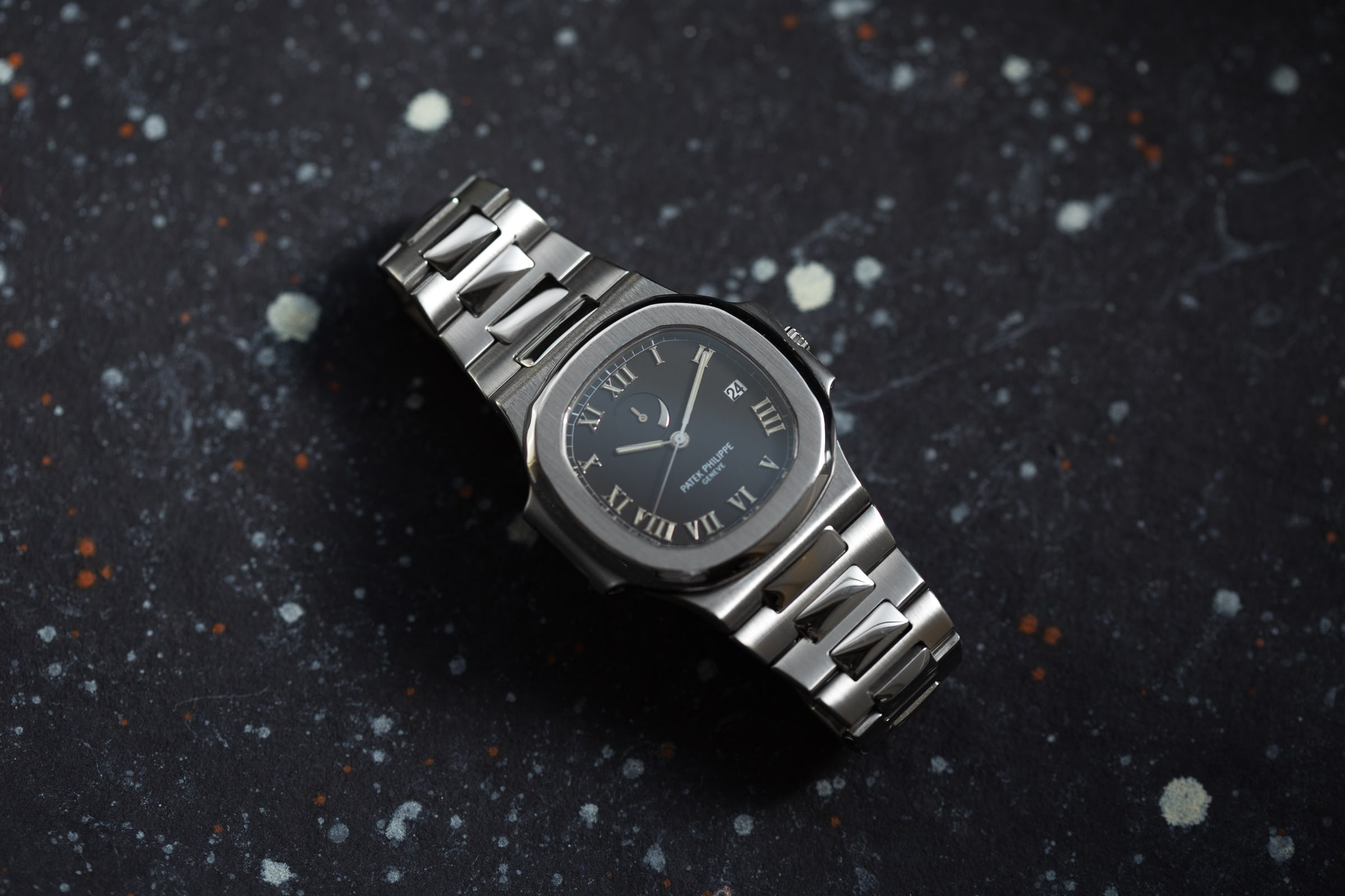 Patek Philippe Nautilus 3710/1A: Power Reserve, Power Watch