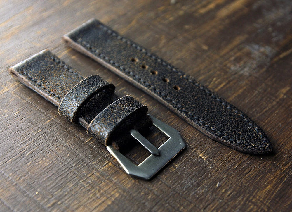 Panerai Strap-Swapping