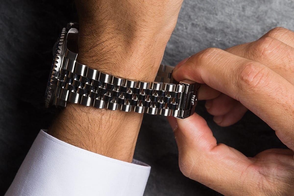 Bracelet of watch not sized properly