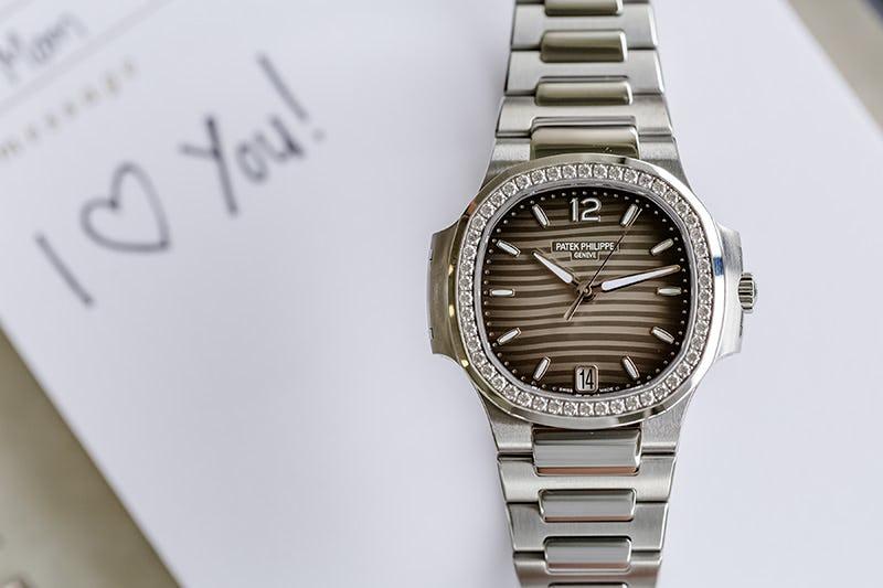 Ladies Nautilus Diamond Bezel Grey 7018 1A-011 mom