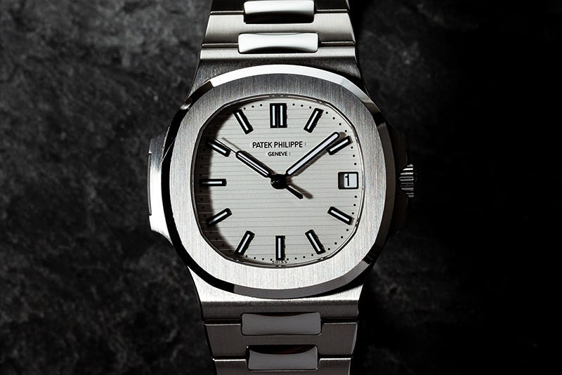 Patek-Nautilus-5711-1a-011 white dial