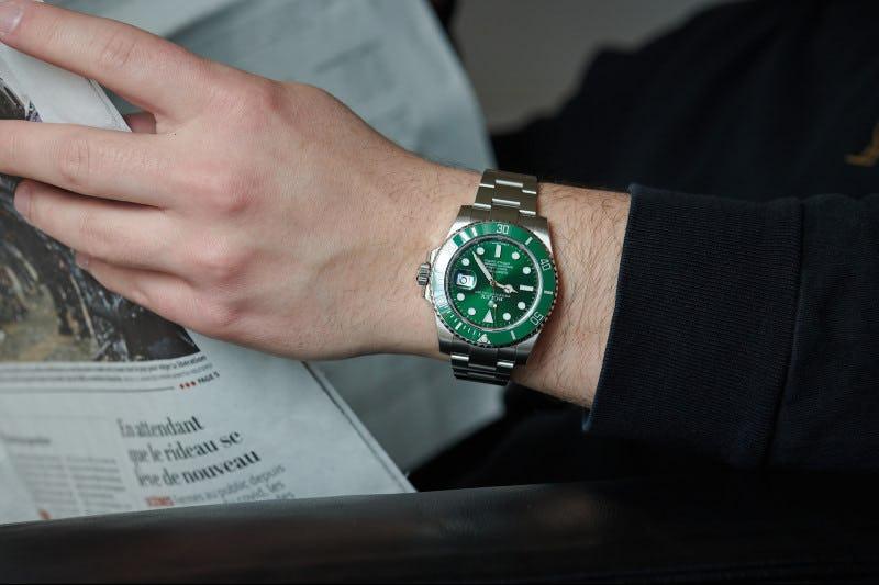 Rolex_Submariner_Hulk_116610LV-2 wristshot