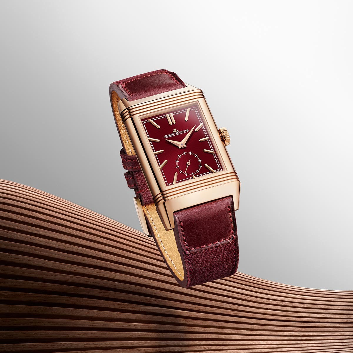 Jaeger-LeCoultre Reverso-red dial