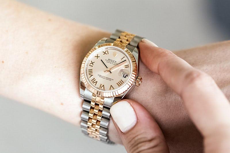Rolex Lady Datejust 31mm 17827 Pink Dial Roman 18k PG wrist